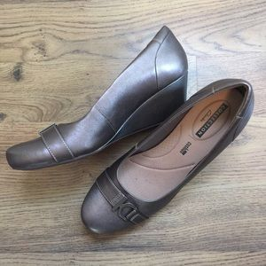 Clarks Flores Poppy Pewter Leather Wedges
